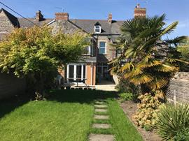 Estate Agents in Penarth Sales : Acj Properties : 6 Bedroom Terraced House : Cwrt-Y-Vil Road, Penarth : £725,000 : Click here for more details on this property