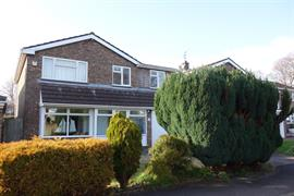 Estate Agents in Penarth Sales : Acj Properties : 4 Bedroom Detached House : Rowan Close, The Paddocks, Penarth : £399,950 : Click here for more details on this property