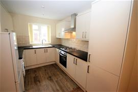 Estate Agents in Maidenhead : Waterman & Company : 2 Bedroom Flat : Flat 4A, Harrow Lane, Maidenhead, Berkshire, SL6 : £875 pcm : Click here for more details on this property