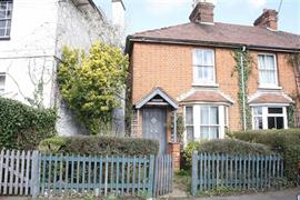 Estate Agents in Maidenhead : Waterman & Company : 2 Bedroom Cottage : Southlands Cottages, Cookham, Berkshire : OIRO £425,000 : Click here for more details on this property