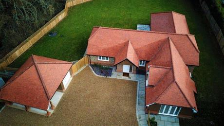 Estate Agents in Maidenhead : Waterman & Company : 4 Bedroom Property : Marlow Road, Pinkneys Green, Berkshire : £1,250,000