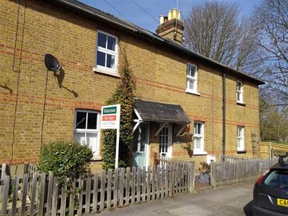 Estate Agents in Maidenhead : Waterman & Company : 2 Bedroom Cottage : The Croft, Maidenhead, Berkshire : £375,000