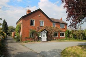 Estate Agents in Leominster : Cobb Amos : 5 Bedroom Detached House : MORTIMERS CROSS, Kingsland, Herefordshire : Offers in the Region of £500,000
