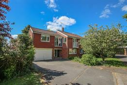 Queen Anne Drive, Claygate, Esher image