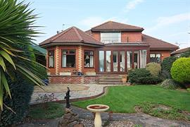 Estate Agents in Penarth Sales : Acj Properties : 3 Bedroom Detached Bungalow : South Road, Sully : £450,000 : Click here for more details on this property