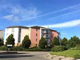 Estate Agents in Penarth Sales : Acj Properties : 2 Bedroom Apartment : Ty Capstan, Rhodfa'r Gwagenni, Barry : £102,000 : Click here for more details on this property
