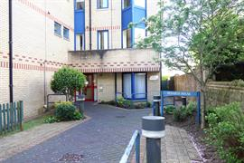 Estate Agents in Penarth Sales : Acj Properties : 1 Bedroom Apartment : Penarth House, Stanwell Road, Penarth : £104,500 : Click here for more details on this property