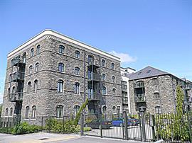 Estate Agents in Penarth Sales : Acj Properties : 2 Bedroom Apartment : Lloyd George Avenue, Cardiff : £218,250 : Click here for more details on this property