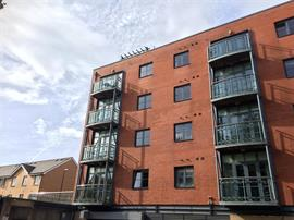 Estate Agents in Penarth Sales : Acj Properties : 2 Bedroom Flat : South Mews, Lloyd George Avenue. Cardiff : £179,950 : Click here for more details on this property