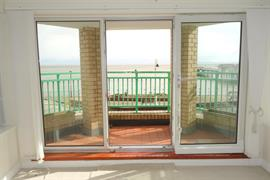 Estate Agents in Penarth Sales : Acj Properties : 1 Bedroom Flat : Alexandra Court, Penarth Esplanade : £179,950 : Click here for more details on this property