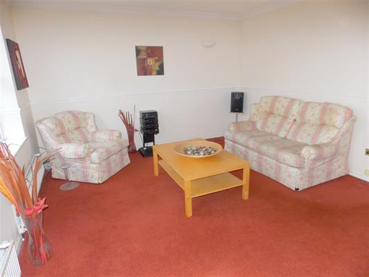 new lounge3.JPG