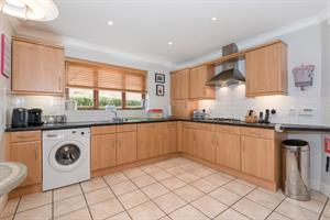 Estate Agents in Chalfont St Peter : Place Estate Agents : 4 Bedroom Detached House : Bottrells Lane, Chalfont St Giles, HP8 : Offers Over £800,000 : Click here for more details on this property