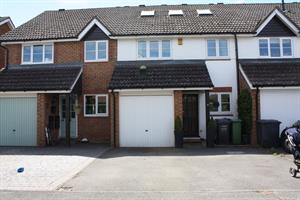 Estate Agents in Chalfont St Peter : Place Estate Agents : 4 Bedroom Terraced House : White Hart Close, Chalfont St Giles, HP8 : Guide Price £550,000 : Click here for more details on this property