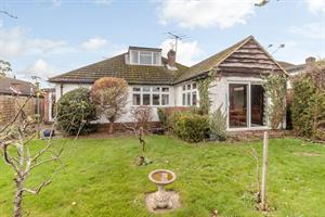 Estate Agents in Chalfont St Peter : Place Estate Agents : 3 Bedroom Detached House : Palliser Road, Chalfont St Giles, HP8 : Guide Price £585,000 : Click here for more details on this property