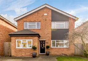 Estate Agents in Chalfont St Peter : Place Estate Agents : 4 Bedroom Detached House : Mid Cross Lane, Chalfont St Peter, SL9 : £685,000 : Click here for more details on this property