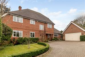 Estate Agents in Chalfont St Peter : Place Estate Agents : 5 Bedroom Detached House : School Lane, Chalfont St Giles, HP8 : Offers Over £1,400,000 : Click here for more details on this property