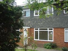 Estate Agents in Maidenhead : Waterman & Company : 3 Bedroom House : Boyn Hill Road, Maidenhead, Berkshire, SL6 : £1,195 pcm : Click here for more details on this property