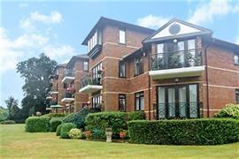 Estate Agents in Maidenhead : Waterman & Company : 2 Bedroom Apartment : The Grange, Ray Mead Road, Maidenhead, Berkshire, SL6 : £1,550 pcm : Click here for more details on this property