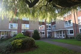 Estate Agents in Maidenhead : Waterman & Company : 2 Bedroom Flat : Fernley Court, Harrow Lane, Maidenhead, Berkshire, SL6 : £1,000 pcm : Click here for more details on this property