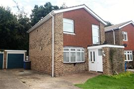 Estate Agents in Maidenhead : Waterman & Company : 3 Bedroom House : Somersby Crescent, Ockwells, Maidenhead, Berkshire, SL6 : £1,200 pcm : Click here for more details on this property