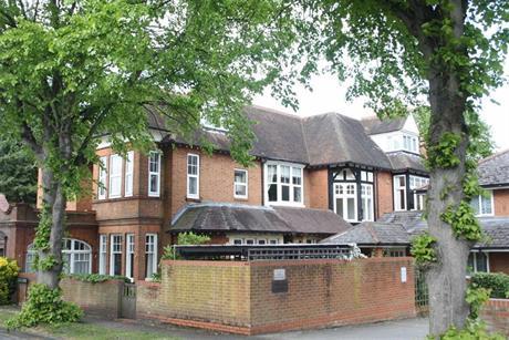 Estate Agents in Maidenhead : Waterman & Company : 1 Bedroom Retirement Property : Sheringham Court, Maidenhead, Berkshire : Guide Price £130,000