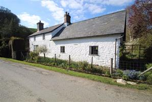 Estate Agents in Knighton : Cobb Amos : 3 Bedroom Property : STAPLETON, Presteigne, Powys : £560,000