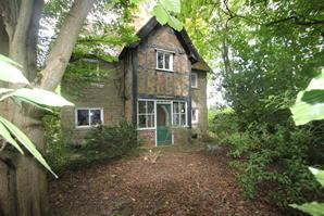 Estate Agents in Ludlow : Cobb Amos : 3 Bedroom Detached House : Dinham, Ludlow : Offers in Excess of £530,000