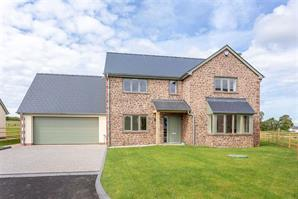 Estate Agents in Hereford : Cobb Amos : 4 Bedroom Property : Bromsash, Nr Ross On Wye : Guide Price £600,000