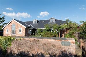 Estate Agents in Hereford : Cobb Amos : 5 Bedroom Detached House : Chapel Lane, Kenchester, Hereford : Guide Price £600,000