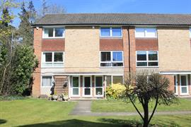 Estate Agents in Maidenhead : Waterman & Company (Vebra Import) : 2 Bedroom Maisonette : Fernley Court, Maidenhead : £285,000 : Click here for more details on this property