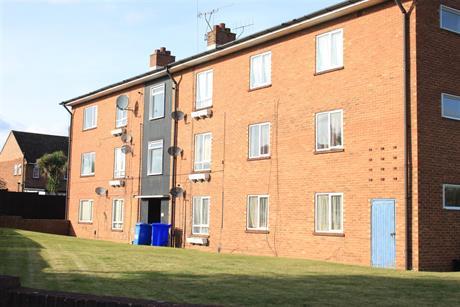 Estate Agents in Maidenhead : Waterman & Company (Vebra Import) : 2 Bedroom Flat : Lincoln Road, Maidenhead : £180,000
