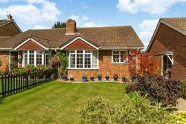 Estate Agents in Maidenhead : Waterman & Company (Vebra Import) : 2 Bedroom Bungalow : Beverley Gardens, Pinkneys Green, Maidenhead : Offers Over £405,000 : Click here for more details on this property