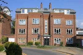 Estate Agents in Maidenhead : Waterman & Company (Vebra Import) : 2 Bedroom Flat : Sussex Lodge, Courtlands, Maidenhead : £260,000 : Click here for more details on this property