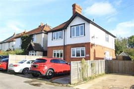 Estate Agents in Maidenhead : Waterman & Company (Vebra Import) : 2 Bedroom Flat : Blackamoor Lane, Maidenhead : £275,000 : Click here for more details on this property