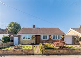 Estate Agents in Chalfont St Peter : Place Estate Agents : 2 Bedroom Property : Lagger Close, Chalfont St Giles, HP8 : Guide Price £585,000 : Click here for more details on this property