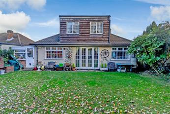 Estate Agents in Chalfont St Peter : Place Estate Agents : 3 Bedroom Property : The Lagger, Chalfont St Giles, HP8 : Offers in Excess of £675,000