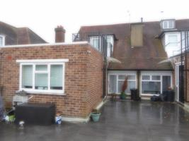 Estate Agents in Chalfont St Peter : Place Estate Agents : 3 Bedroom Flat : Packhorse Road, Gerrards Cross, SL9 : £1,250 pcm : Click here for more details on this property