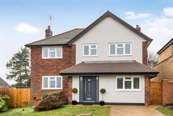 Estate Agents in Chalfont St Peter : Place Estate Agents : 5 Bedroom Detached House : The Paddock, Chalfont St Peter, Gerrards Cross, SL9 : OIRO £920,000