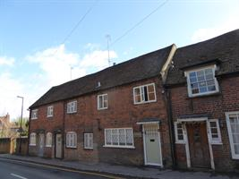 Estate Agents in Chalfont St Peter : Place Estate Agents : 2 Bedroom Property : Deanway, Chalfont St Giles, HP8 : OIRO £435,000 : Click here for more details on this property