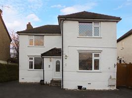 Estate Agents in Chalfont St Peter : Place Estate Agents : 3 Bedroom Detached House : Fieldway, Chalfont St Peter, Gerrards Cross, SL9 : OIRO £600,000 : Click here for more details on this property
