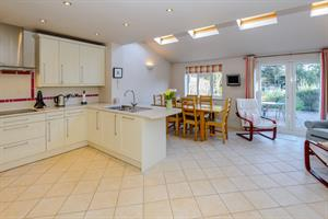 Estate Agents in Chalfont St Peter : Place Estate Agents : 3 Bedroom Semi-Detached House : Criss Grove, Chalfont St Peter, Gerrards Cross, SL9 : Offers in Excess of £600,000 : Click here for more details on this property