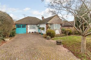 Estate Agents in Chalfont St Peter : Place Estate Agents : 3 Bedroom Detached House : Palliser Road, Chalfont St Giles, HP8 : Offers in Excess of £550,000 : Click here for more details on this property