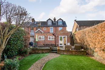 Estate Agents in Chalfont St Peter : Place Estate Agents : 4 Bedroom Property : Albion Road, Chalfont St Giles, HP8 : Offers in Excess of £750,000