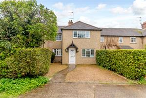 Estate Agents in Chalfont St Peter : Place Estate Agents : 3 Bedroom Terraced House : Howard Road, Seer Green, Beaconsfield, HP9 : Guide Price £575,000 : Click here for more details on this property