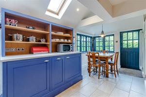 Estate Agents in Chalfont St Peter : Place Estate Agents : 3 Bedroom Property : Chalfont Road, Seer Green, Beaconsfield, HP9 : Guide Price £480,000 : Click here for more details on this property