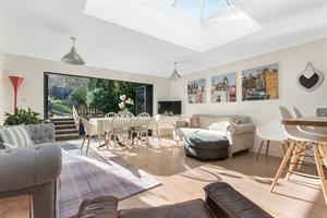 Estate Agents in Chalfont St Peter : Place Estate Agents : 3 Bedroom Semi-Detached House : Boundary Road, Wooburn Green, High Wycombe, HP10 : Guide Price £450,000 : Click here for more details on this property