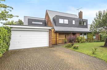 Estate Agents in Chalfont St Peter : Place Estate Agents : 5 Bedroom Detached House : Mynchen Road, Beaconsfield, HP9 : Offers in Excess of £1,200,000
