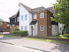 Estate Agents in Chalfont St Peter : Place Estate Agents : 2 Bedroom Flat : Narcot Lane, Chalfont St Giles, HP8 : £995 pcm : Click here for more details on this property