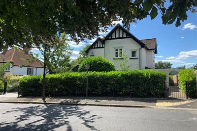 Rectory Avenue, High Wycombe