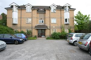 Estate Agents in Cardiff : 4 Let : 4 Bedroom Flat Share : Braeval St, Cathays, Cardiff : £1,140 pcm : Click here for more details on this property